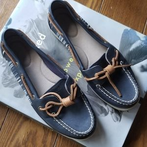 SPERRY TOPSIDER navy angelfish shoes 7.5